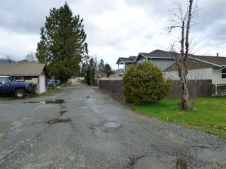 Photo 18: 45737 HENLEY Avenue in Chilliwack: Chilliwack N Yale-Well House for sale : MLS®# R2252155