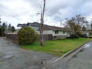 Photo 17: 45737 HENLEY Avenue in Chilliwack: Chilliwack N Yale-Well House for sale : MLS®# R2252155