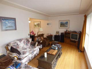 Photo 3: 45737 HENLEY Avenue in Chilliwack: Chilliwack N Yale-Well House for sale : MLS®# R2252155