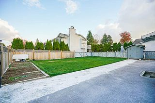 Photo 18: 9088 126 Street in Surrey: Queen Mary Park Surrey House for sale : MLS®# R2260906