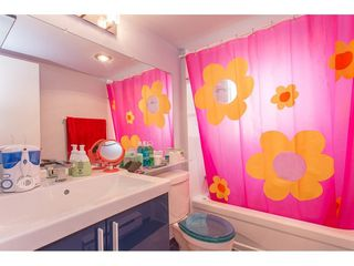 "Photo 8: 13303 71B Avenue in Surrey: West Newton Townhouse for sale in ""SUNCREEK"" : MLS®# R2290030"