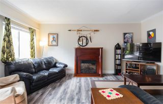 """Photo 10: 52 10545 153 Street in Surrey: Guildford Townhouse for sale in """"Guildford Mews"""" (North Surrey)  : MLS®# R2294818"""