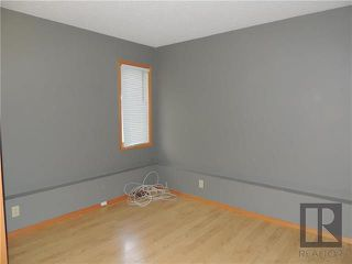 Photo 10: 39 Hamilton Meadows Drive in Winnipeg: Crestview Residential for sale (5H)  : MLS®# 1822749
