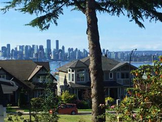 Photo 2: 1 214 W 6TH Street in North Vancouver: Lower Lonsdale 1/2 Duplex for sale : MLS®# R2306232