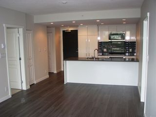 """Photo 5: 1306 3100 WINDSOR Gate in Coquitlam: New Horizons Condo for sale in """"LLOYD"""" : MLS®# R2308166"""