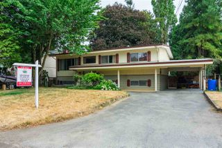 Photo 1: 34264 CEDAR Avenue in Abbotsford: Central Abbotsford House for sale : MLS®# R2308912