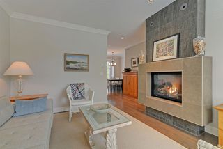 "Photo 4: 3 3025 BAIRD Road in North Vancouver: Lynn Valley Townhouse for sale in ""Vicinity"" : MLS®# R2315112"