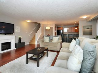 Photo 7: 209 2685 Deville Rd in VICTORIA: La Langford Proper Row/Townhouse for sale (Langford)  : MLS®# 802015