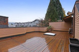 "Photo 2: 204 W 4TH Street in North Vancouver: Lower Lonsdale Townhouse for sale in ""Chesterfield West"" : MLS®# R2337453"