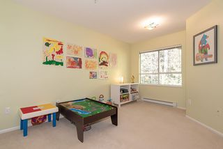 """Photo 14: 407 3680 BANFF Court in North Vancouver: Northlands Condo for sale in """"Parkgate Manor"""" : MLS®# R2340085"""