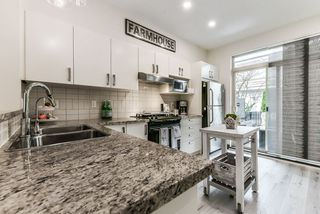 "Photo 2: 13 301 KLAHANIE Drive in Port Moody: Port Moody Centre Townhouse for sale in ""CURRENTS IN KLAHANIE"" : MLS®# R2340343"