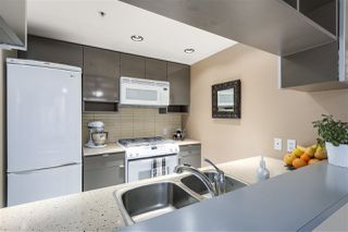 "Photo 6: 907 928 BEATTY Street in Vancouver: Yaletown Condo for sale in ""THE MAX"" (Vancouver West)  : MLS®# R2342026"