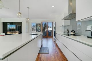 Photo 3: 14204 98 Avenue in Edmonton: Zone 10 House for sale : MLS®# E4146269