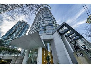 "Main Photo: 1205 1288 ALBERNI Street in Vancouver: West End VW Condo for sale in ""THE PALISADES"" (Vancouver West)  : MLS®# R2348495"