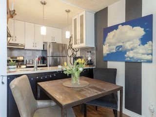 """Photo 10: 702 1040 PACIFIC Street in Vancouver: West End VW Condo for sale in """"CHELSEA TERRACE"""" (Vancouver West)  : MLS®# R2357124"""