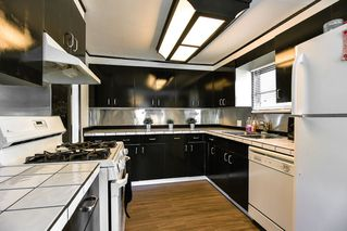 """Photo 8: 226 201 CAYER Street in Coquitlam: Maillardville Manufactured Home for sale in """"WILDWOOD PARK"""" : MLS®# R2362551"""