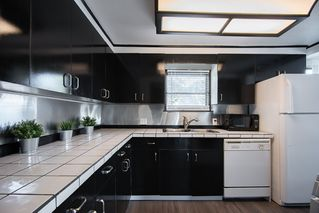 """Photo 9: 226 201 CAYER Street in Coquitlam: Maillardville Manufactured Home for sale in """"WILDWOOD PARK"""" : MLS®# R2362551"""
