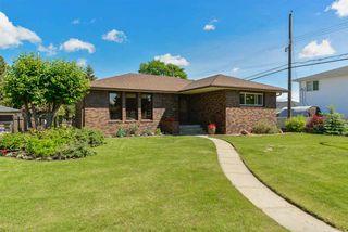 Photo 2: 4708 108 Avenue in Edmonton: Zone 19 House for sale : MLS®# E4161343