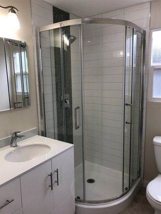 """Photo 7: 27 7790 KING GEORGE Boulevard in Surrey: East Newton Manufactured Home for sale in """"Crispen Bays"""" : MLS®# R2381622"""