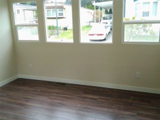 """Photo 9: 27 7790 KING GEORGE Boulevard in Surrey: East Newton Manufactured Home for sale in """"Crispen Bays"""" : MLS®# R2381622"""