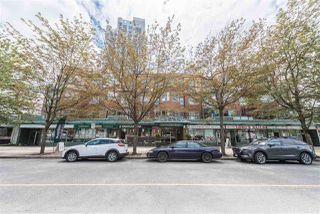 """Photo 19: 101 131 W 3RD Street in North Vancouver: Lower Lonsdale Condo for sale in """"Seascape Landing"""" : MLS®# R2411006"""