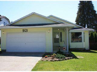 Main Photo: 9121 150A Street in Surrey: Fleetwood Tynehead House for sale : MLS®# R2427821