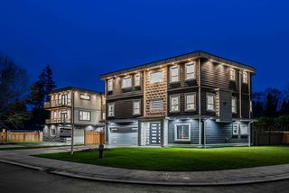 Photo 1: 4935 199A Street in Langley: Langley City House for sale : MLS®# R2440262