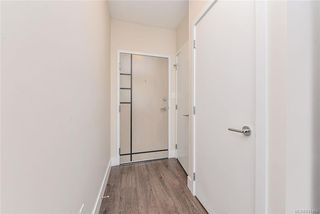 Photo 4: 405 1090 Johnson St in Victoria: Vi Downtown Condo Apartment for sale : MLS®# 841465