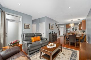 Photo 7: 2 2311 Watkiss Way in : VR Hospital Row/Townhouse for sale (View Royal)  : MLS®# 860411