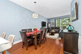 Photo 9: 2 2311 Watkiss Way in : VR Hospital Row/Townhouse for sale (View Royal)  : MLS®# 860411