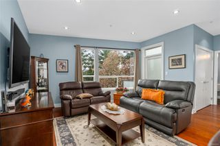 Photo 4: 2 2311 Watkiss Way in : VR Hospital Row/Townhouse for sale (View Royal)  : MLS®# 860411