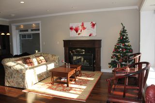 Photo 2: 3739 W 21ST Avenue in Vancouver: Dunbar House for sale (Vancouver West)  : MLS®# V923232