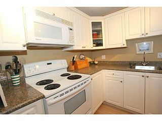 Photo 13: # 106 15369 THRIFT AV: White Rock Condo for sale (South Surrey White Rock)  : MLS®# F1326290