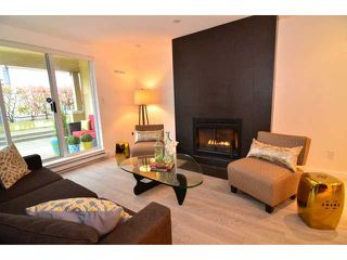 """Photo 3: 101 1860 W 6TH Avenue in Vancouver: Kitsilano Townhouse for sale in """"Heritage on Cypress"""" (Vancouver West)  : MLS®# V1058606"""