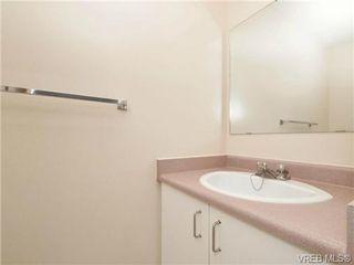 Photo 12: 404 2520 Wark Street in VICTORIA: Vi Hillside Condo Apartment for sale (Victoria)  : MLS®# 346976