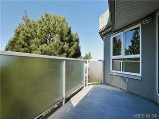 Photo 16: 404 2520 Wark Street in VICTORIA: Vi Hillside Condo Apartment for sale (Victoria)  : MLS®# 346976