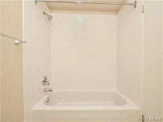 Photo 15: 404 2520 Wark Street in VICTORIA: Vi Hillside Condo Apartment for sale (Victoria)  : MLS®# 346976