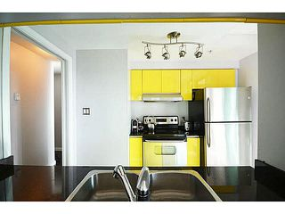 """Photo 8: 1801 1238 MELVILLE Street in Vancouver: Coal Harbour Condo for sale in """"POINT CLAIRE"""" (Vancouver West)  : MLS®# V1108872"""