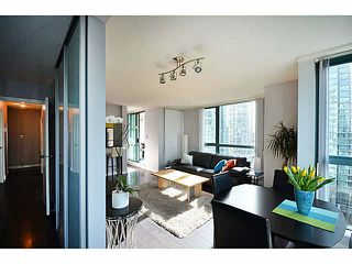"""Photo 4: 1801 1238 MELVILLE Street in Vancouver: Coal Harbour Condo for sale in """"POINT CLAIRE"""" (Vancouver West)  : MLS®# V1108872"""