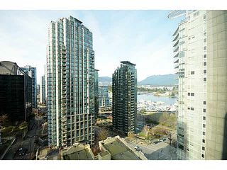 """Photo 1: 1801 1238 MELVILLE Street in Vancouver: Coal Harbour Condo for sale in """"POINT CLAIRE"""" (Vancouver West)  : MLS®# V1108872"""