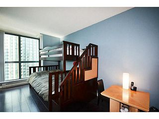 """Photo 13: 1801 1238 MELVILLE Street in Vancouver: Coal Harbour Condo for sale in """"POINT CLAIRE"""" (Vancouver West)  : MLS®# V1108872"""