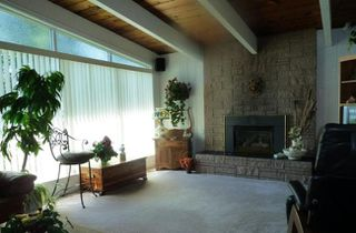Photo 3: 257 Rossmore Court in Coquitlam: Home for sale