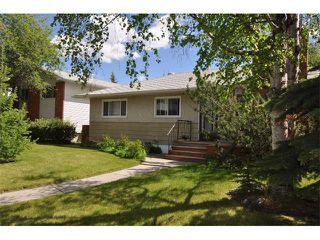 Photo 1: 80 GLAMORGAN Drive SW in Calgary: Glamorgan House for sale : MLS®# C4015454