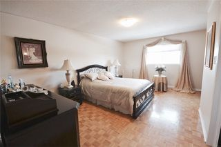 Photo 5: 39 Parkfield Court in Vaughan: West Woodbridge House (2-Storey) for sale