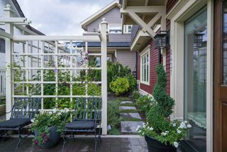 Photo 3: 2437 W 5TH Avenue in Vancouver: Kitsilano House 1/2 Duplex for sale (Vancouver West)  : MLS®# R2081967