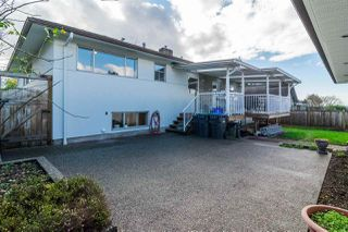 "Photo 17: 121 RICKMAN Place in New Westminster: The Heights NW House for sale in ""THE HEIGHTS"" : MLS®# R2124927"