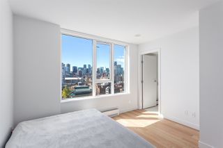 """Photo 10: 1605 188 KEEFER Street in Vancouver: Downtown VW Condo for sale in """"188 KEEFER"""" (Vancouver West)  : MLS®# R2160514"""
