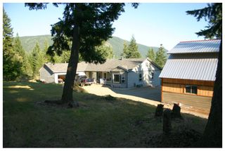 Photo 2: 3040 Fosbery Road: White Lake House for sale (Shuswap)  : MLS®# 101429927