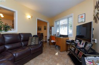 Photo 9: 4141 Tuxedo Dr in VICTORIA: SE High Quadra Single Family Detached for sale (Saanich East)  : MLS®# 769183