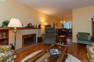Photo 3: 4141 Tuxedo Dr in VICTORIA: SE High Quadra House for sale (Saanich East)  : MLS®# 769183